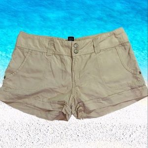 Sanctuary khaki double button shorts women's